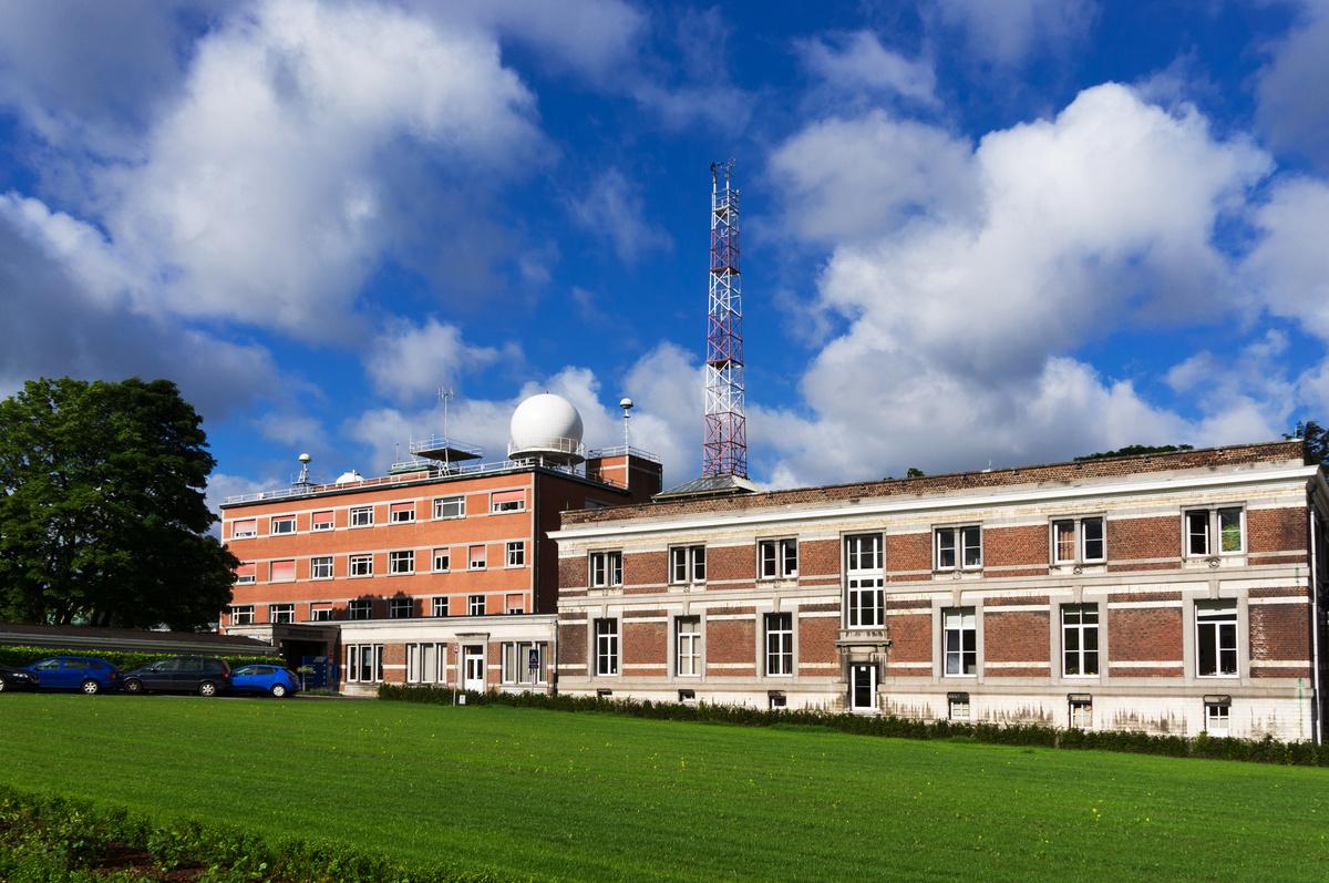 De gebouwen van het KMI