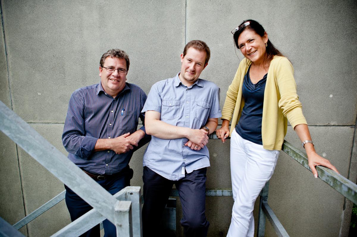 De viering van de 100ste verjaardag van het KMI werd een groot succes dankzij de inzet van de medewerkers van de groep 'Users' Interface', met v.l.n.r. Marc Christiaens, Alex Dewalque en Rosiane Verheyden.