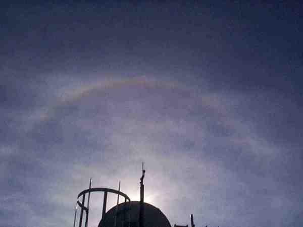 ik_zag_een_kring_rond_de_zon_of_de_maan.jpg