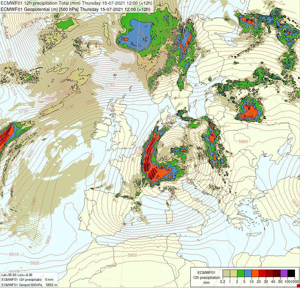 Carte montrant la dépression d'altitude centrée sur le sud de l'Allemagne ce jeudi 15 juillet à 14h00, avec le champ de précipitations associé (prévisions du modèle ECMWF). La perturbation pluvieuse très active cirulant autour de la dépression est mise en évidence par des cumuls importants sur le nord-ouest de l'Allemagne, les Pays-bas, la Belgique, et le nord-est de la France.