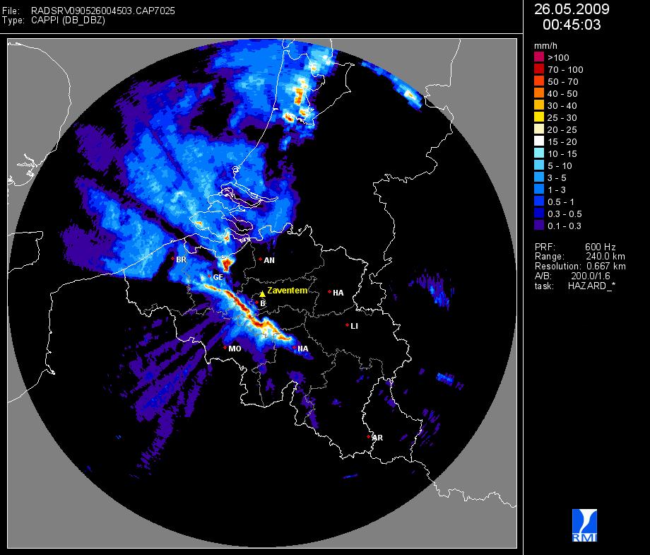 De radar van Zaventem (Belgocontrol) toont een zeer actieve squall line op 26 mei 2009. Ten noordoos