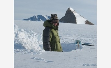 Dr. Alexander Mangold - © International Polar Foundation